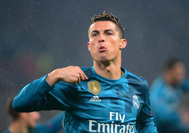 Cristiano Ronaldo celebra gol de chilena ante Juventus