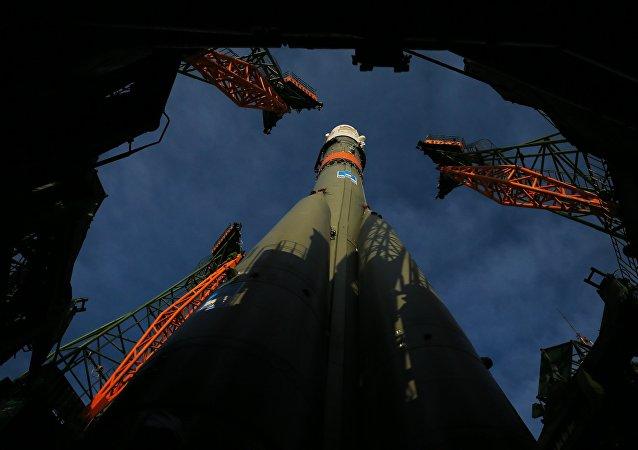 El cohete portador Soyuz-FG con la nave espacial Soyuz MS-08 (archivo)