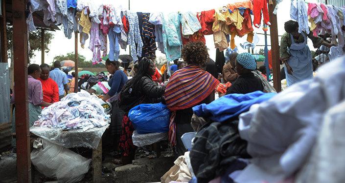 Un mercado de ropa de segunda mano en Nairobi