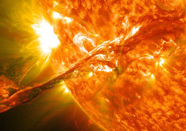 Tornados de plasma en el Sol