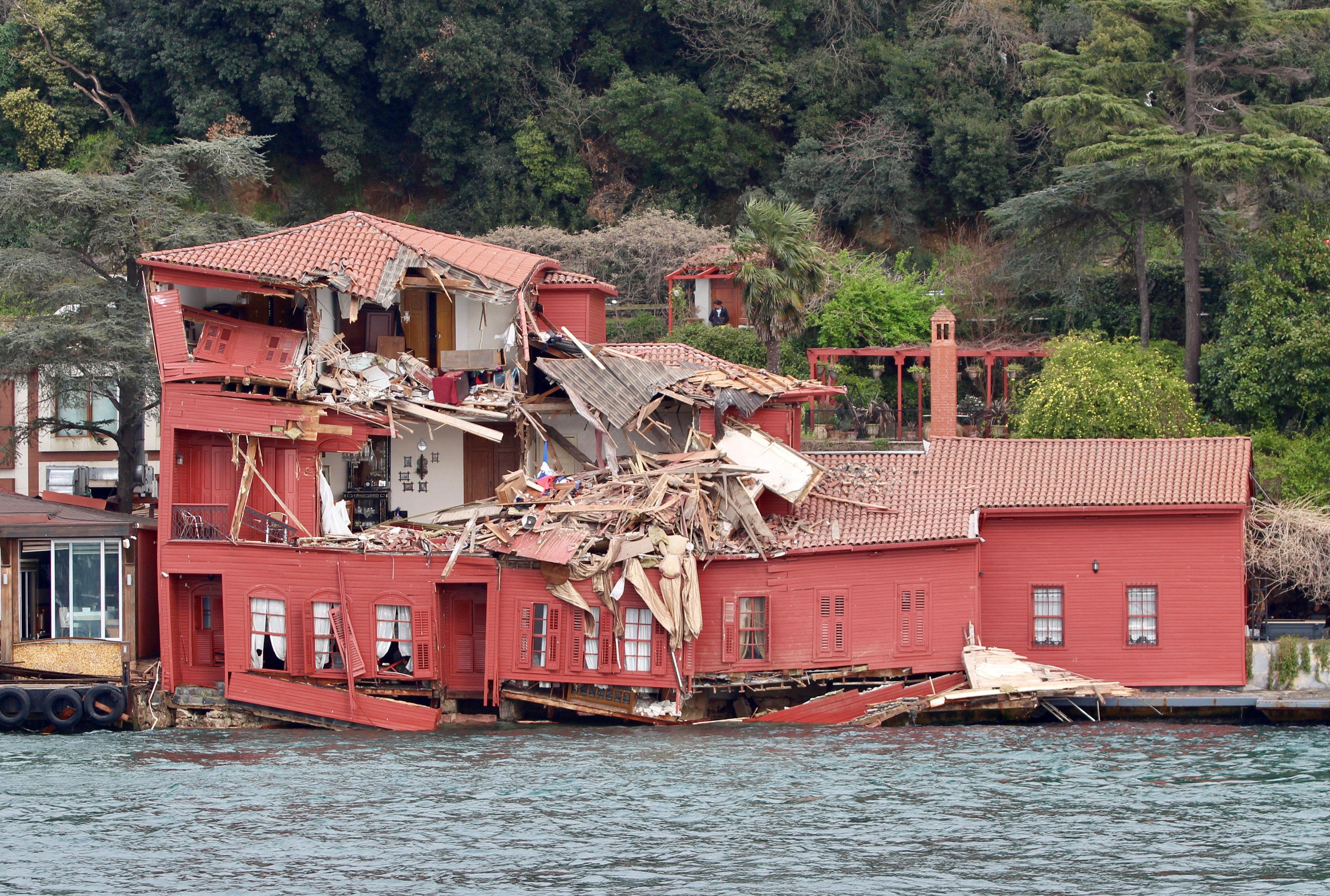 La mansión histórica, destruida por el buque