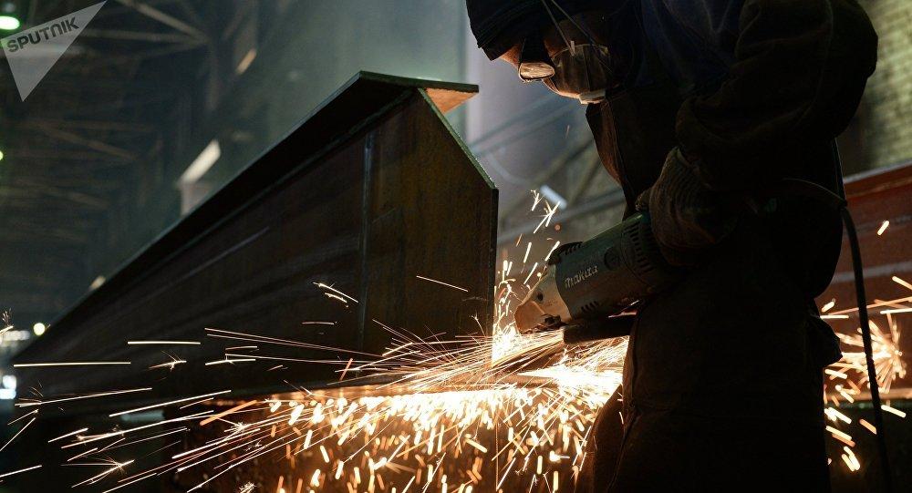 Producción de estructuras de acero (imagen referencial)