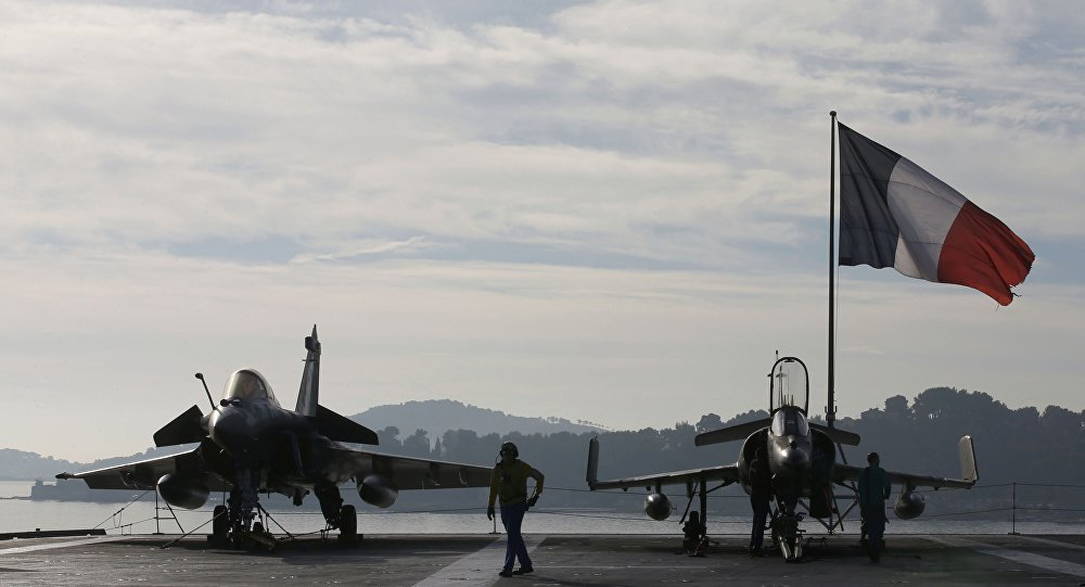 , Inglaterra y Francia atacan arsenal químico del dictador sirio