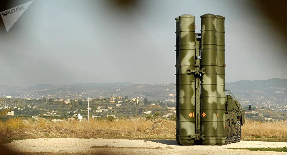 El sistema antiaéreo ruso S-400 Triumf desplegado en Siria