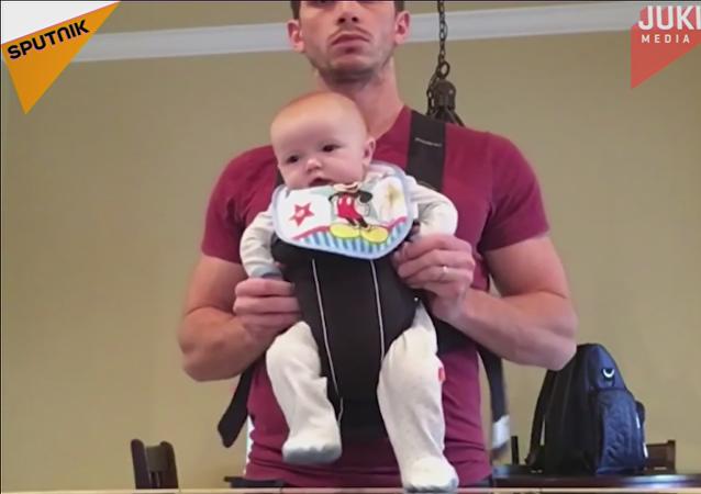 Con un padre así nunca te aburrirás: el adorable baile de un bebé