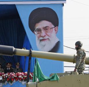 El poder militar de Irán en el Desfile del Día Nacional del Ejército