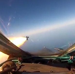 El MiG-31BM y el Su-27 muestran de lo que son capaces en un ensayo militar