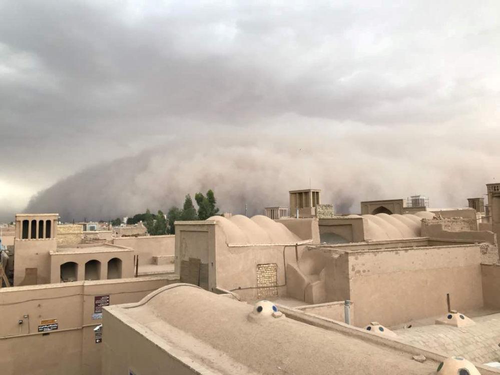 Un apocalipsis de arena cubre a Irán