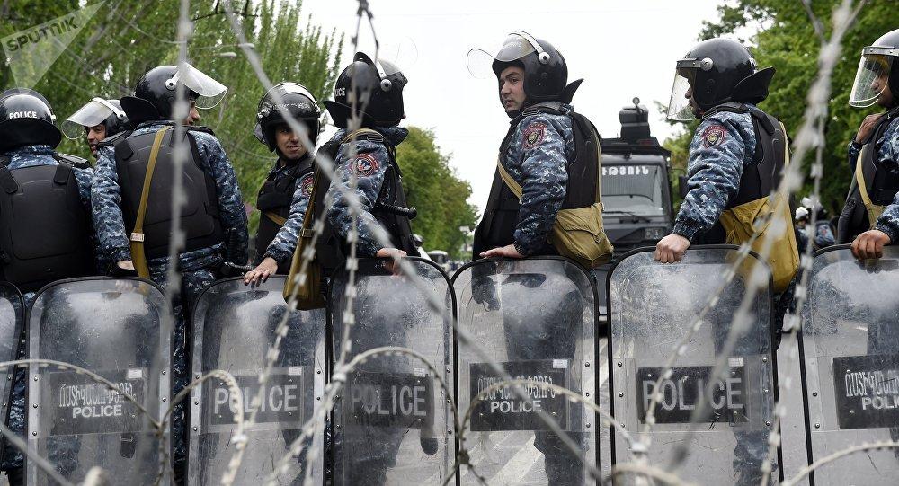 Manifestaciones en Armenia contra el primer ministro Serzh Sargsián