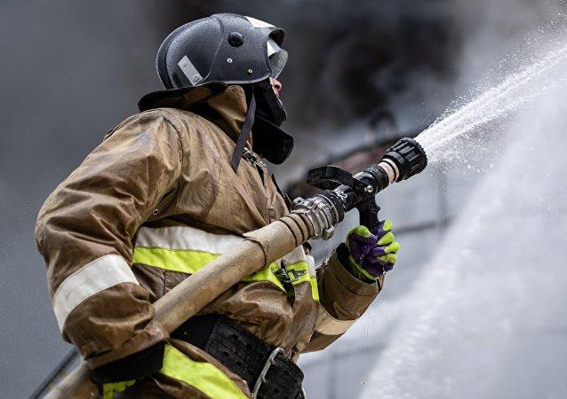 Un bombero, foto de archivo