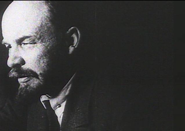 Lenin, creador de la URSS y una de las máximas figuras del siglo XX, en movimiento