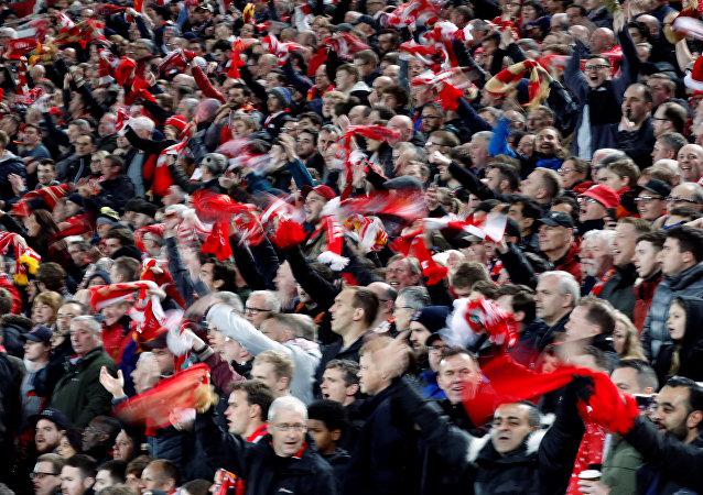 Hinchas de Liverpool durante el partido Liverpool-Roma