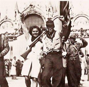 Imágenes de partisanos en Venecia, durante la liberación de la ciudad en 1945