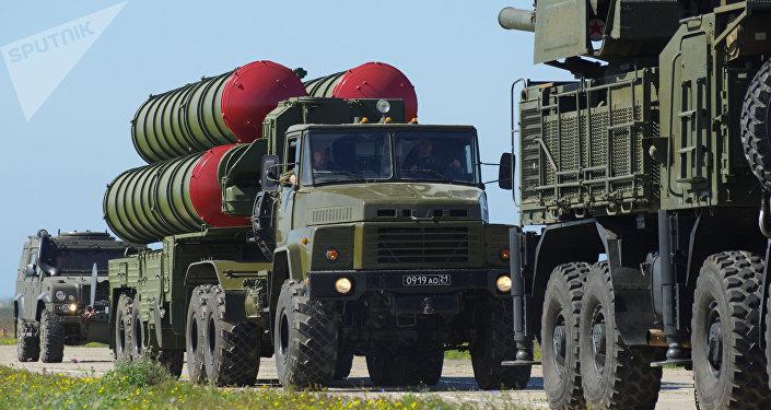 Sistemas de misiles S-300 (archivo)