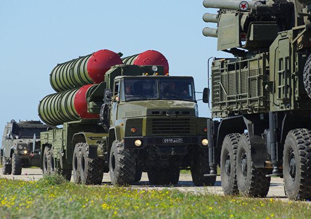 Sistemas antiaéreos S-300 rusos