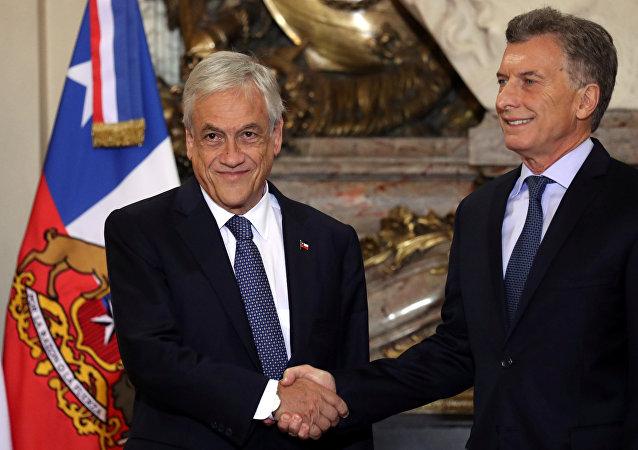 El presidente chileno, Sebastián Piñera con el mandatario de Argentina, Mauricio Macri