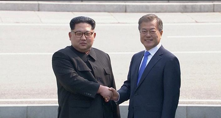 El líder de Corea del Norte, Kim Jong-un, y el presidente de Corea del Sur, Moon Jae-in