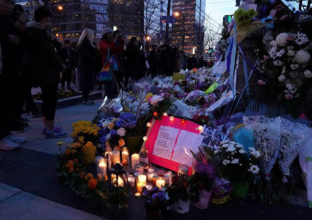 Memorial en Toronto por las víctimas del atropello
