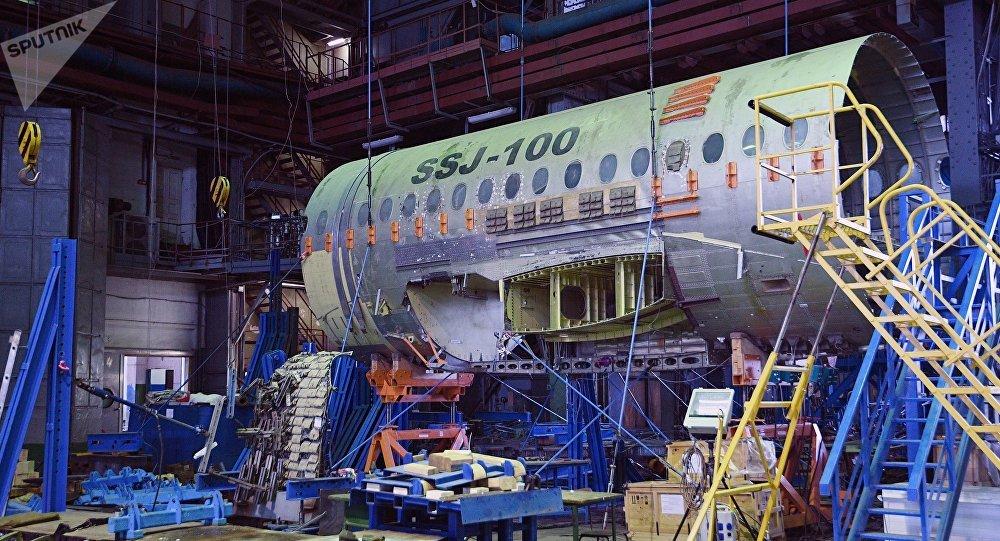 La contrucción del Sukhoi Superjet-100 (SSJ-100) (imagen referencial)