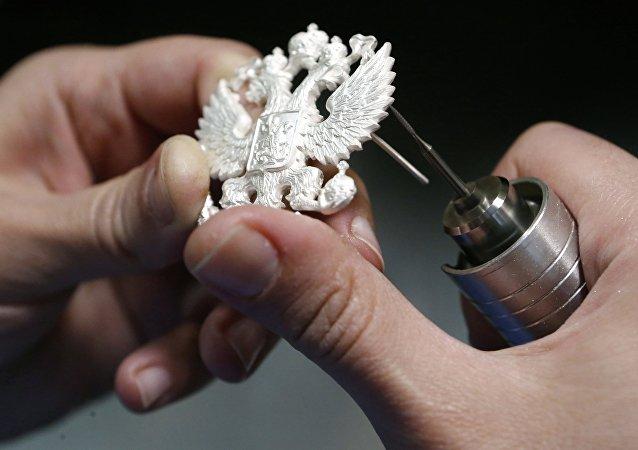 En el taller del centro de artesanías rusas Russkie Remesla