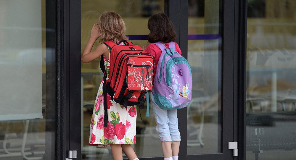 Niñas en el colegio (imagen referencial)