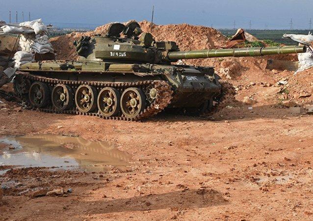 Un tanque T-62 en Siria, foto de archivo