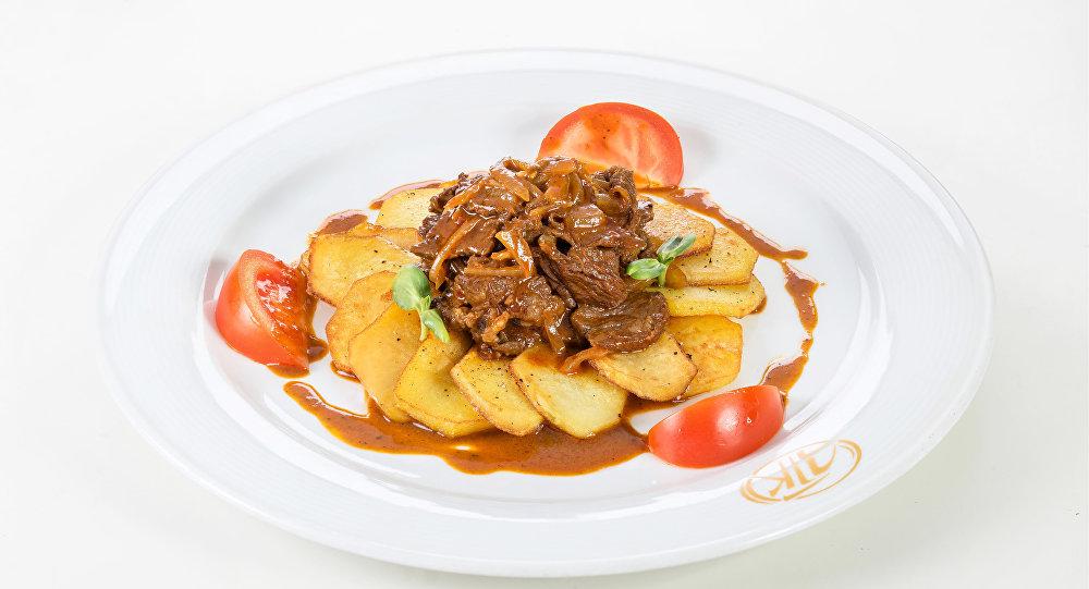 Kyzdyrmá, el tradicional estofado tártaro