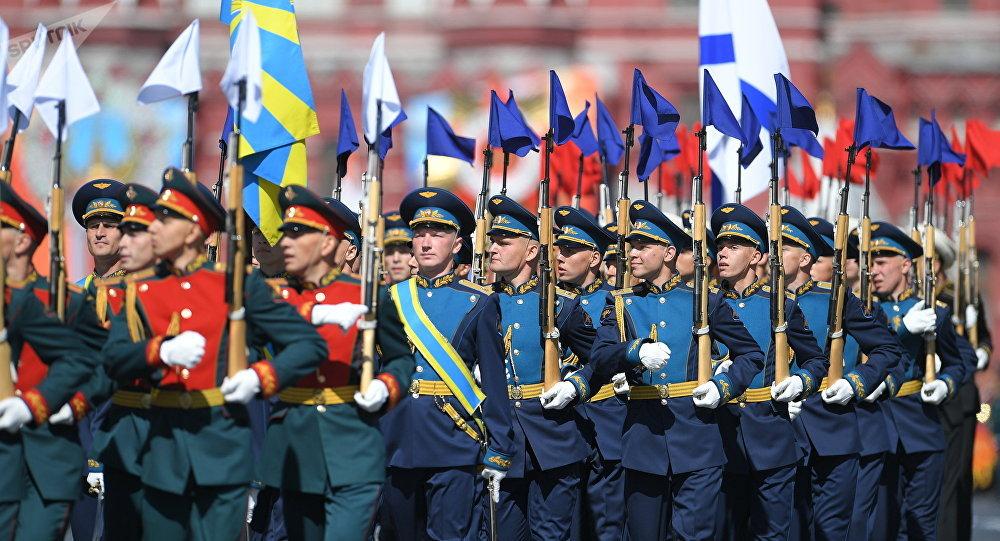 Militares del Ejército del Aire durate el Desfile del Día de la Victoria en la Plaza Roja, Moscú, Rusia