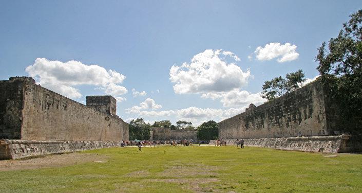El Gran Juego de pelota en Chichén Itzá, México