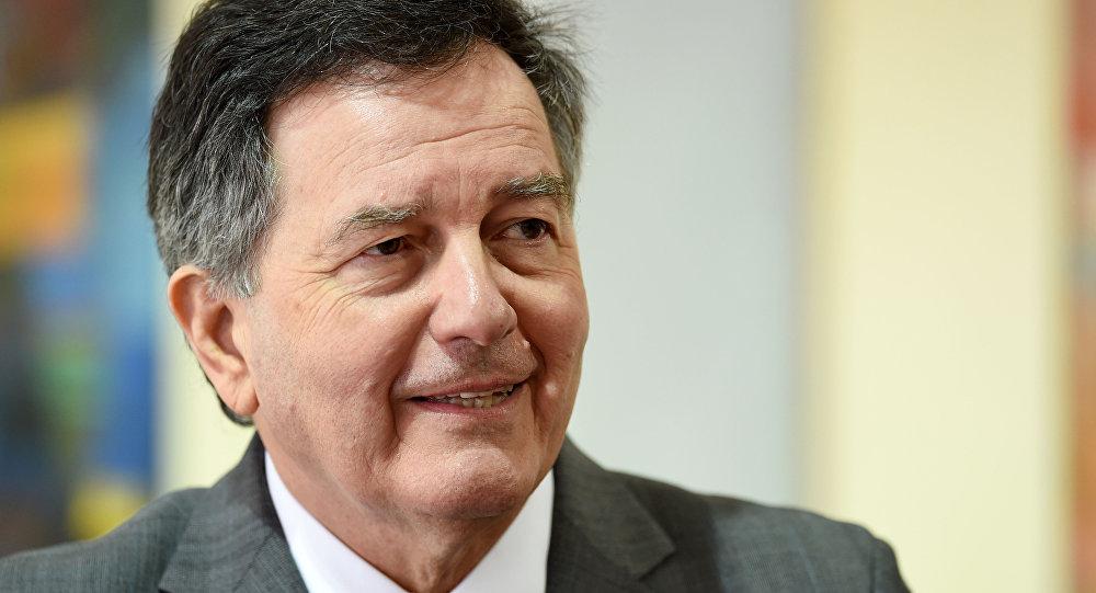 Canciller Ampuero evaluará tener o no embajador en Venezuela