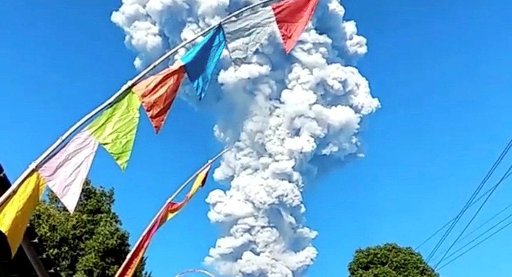 Espectacular erupción del volcán Merapi en Indonesia