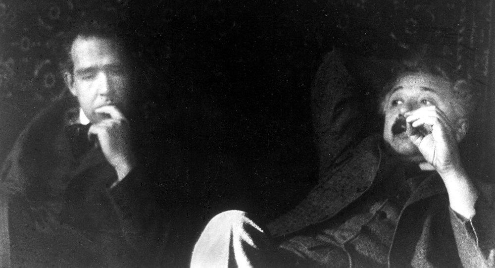 Resultado de imagen para Niels Bohr y Albert Einstein