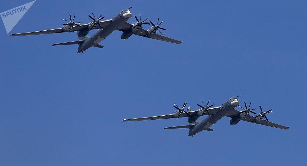 Bombarderos estratégicos Tu-95MS (archivo)
