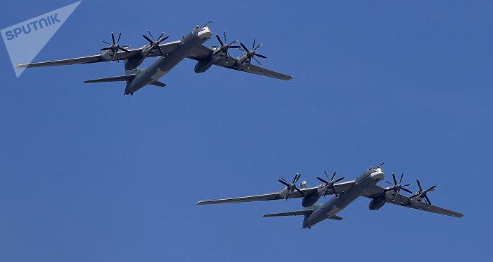 Bombarderos estratégicos rusos TU-95MS (imagen referencial)
