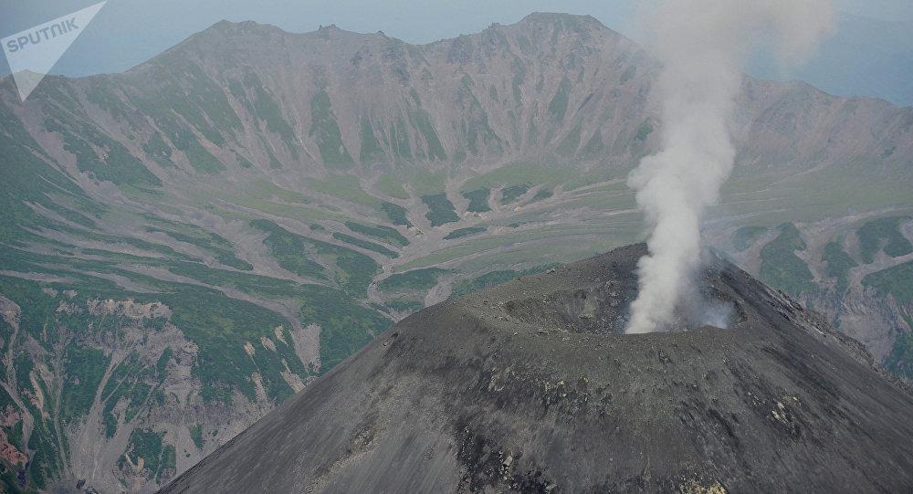 Volcán Karimski