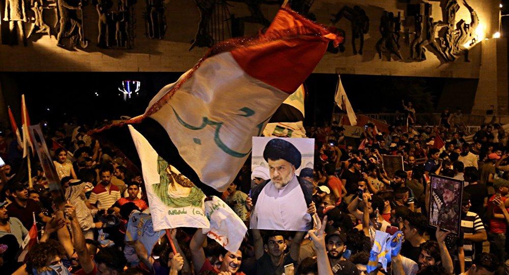 Seguidores de Muqtada Sadr celebran su victoria en las elecciones parlamentaria en Bagdad