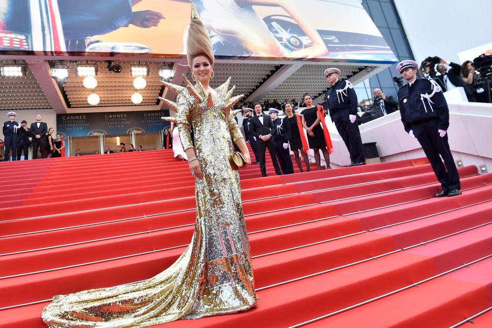 Transparencias y poco para la imaginación: así lucieron las mujeres del Festival de Cannes