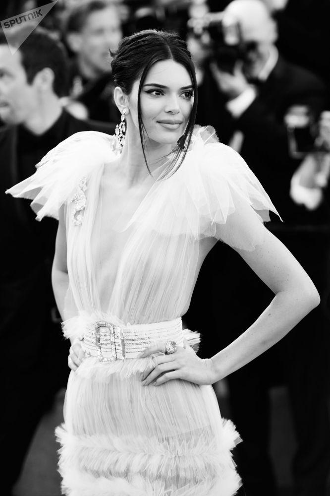 Alessandra Ambrosio, Irina Shayk, Bella Hadid en blanco y negro en Cannes
