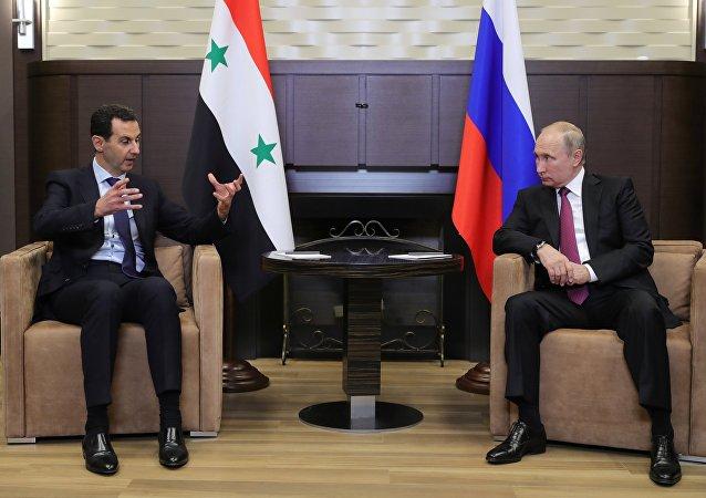 El presidente de Siria, Bashar al Asad y el presidente de Rusia, Vladímir Putin (archivo)