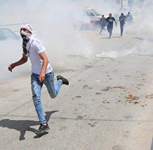 Enfrentamientos con las tropas israelíes en la frontera entre Gaza e Israel