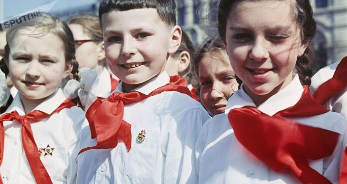 La Organización de Pioneros, los Scouts al estilo de la URSS
