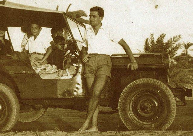 Eli Cohen en el canal de Suez