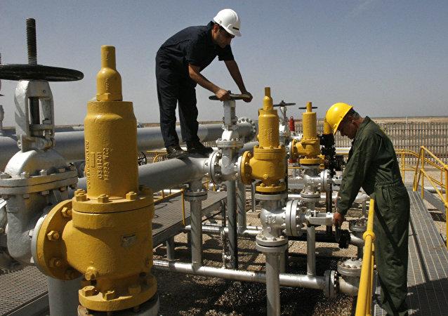 Una refinería de petróleo en Irán, foto referencial