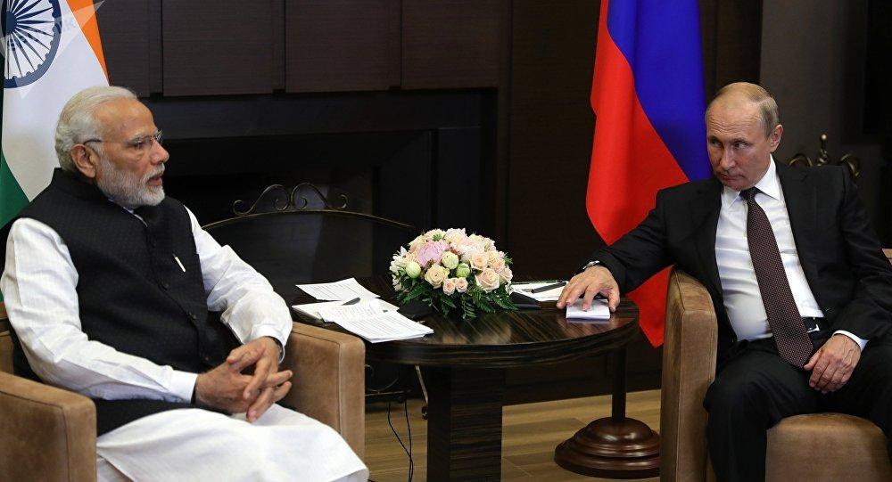 Primer ministro indio, Narendra Modi, y presidente de Rusia, Vladímir Putin (archivo)
