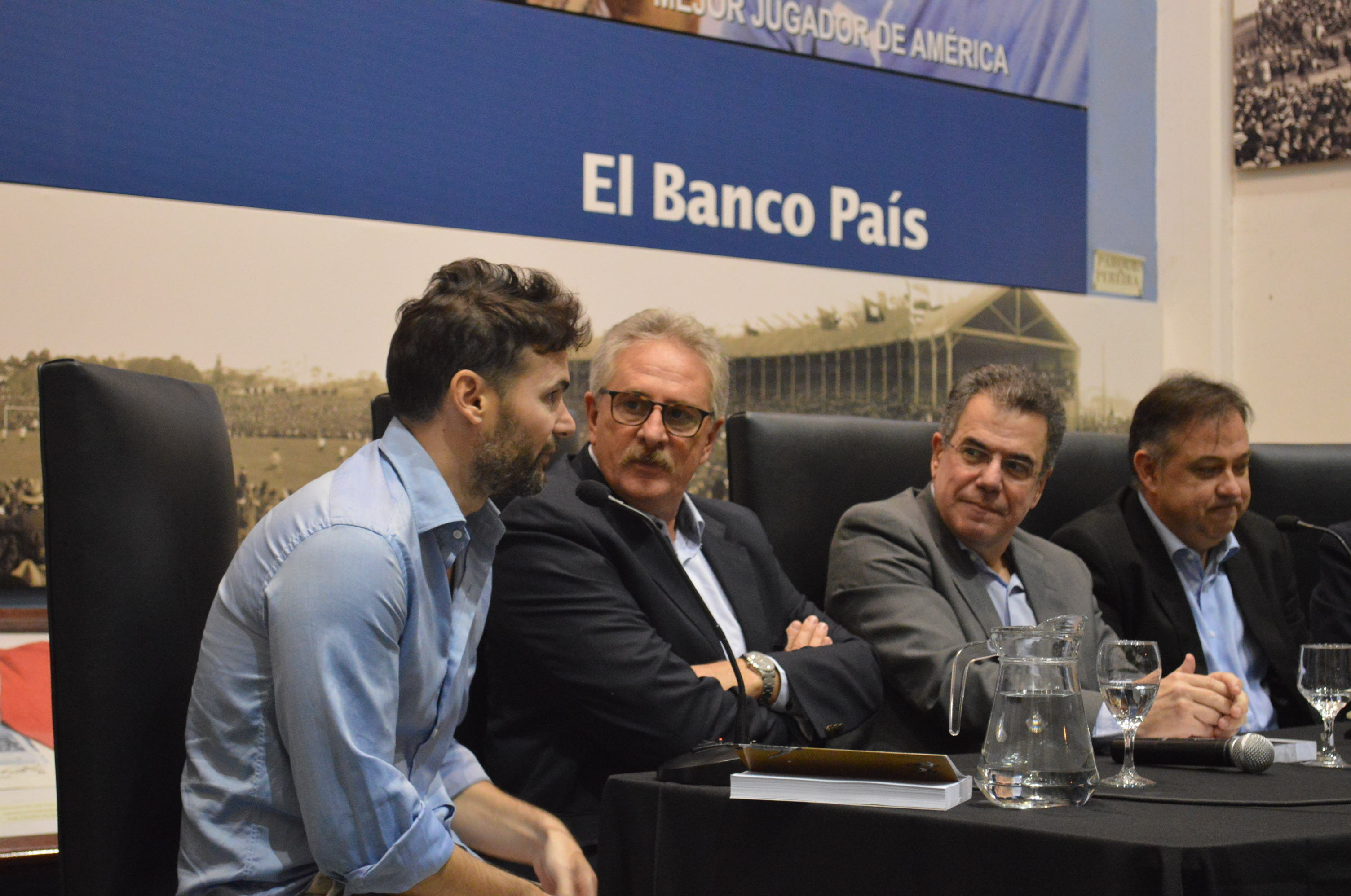Presentación del libro en el Estadio Centenario