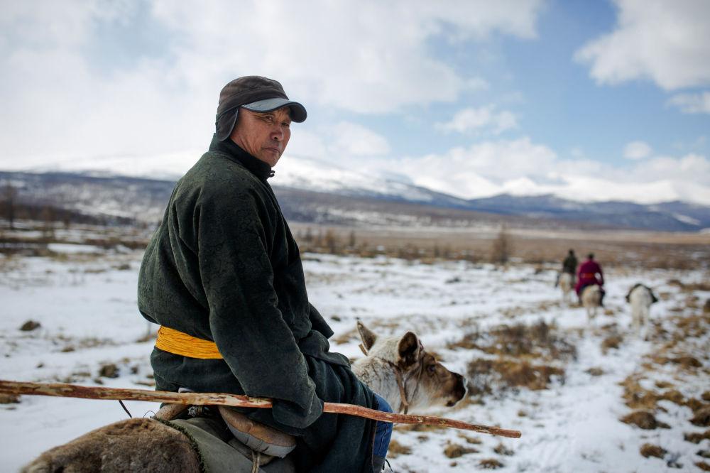 Cómo viven los últimos pastores de renos en Mongolia