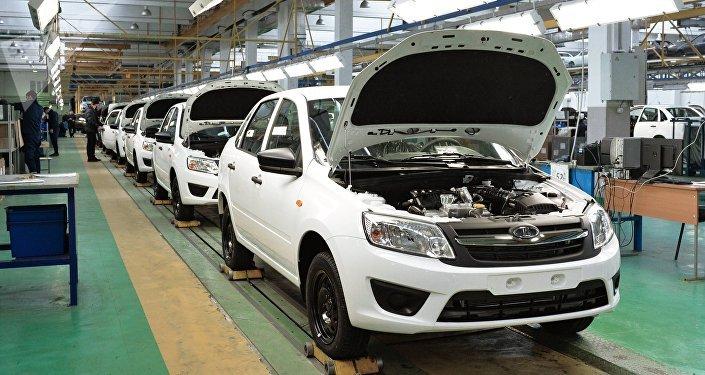 Fabricación de automóviles Lada Granta