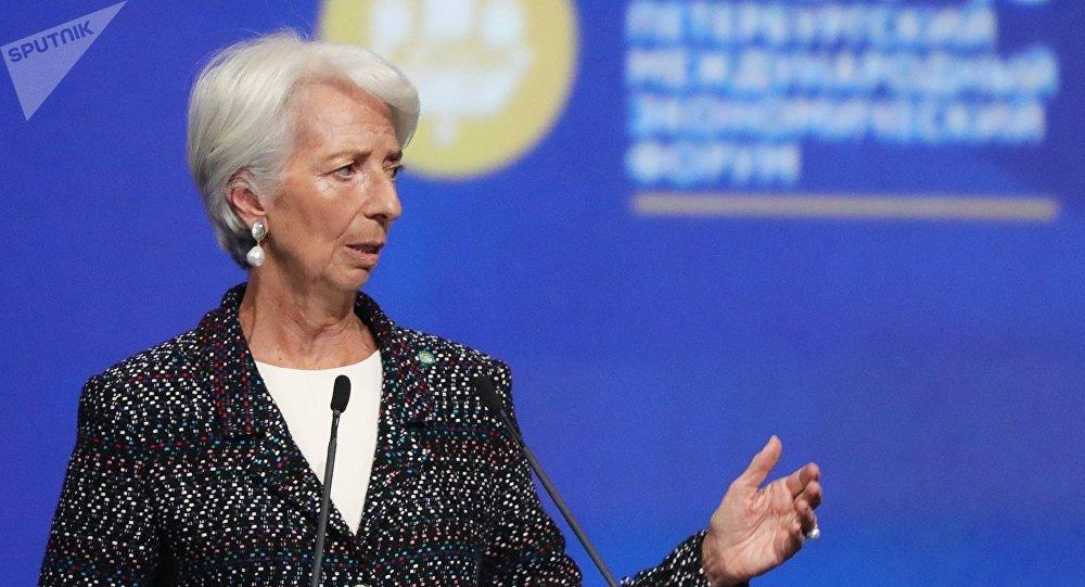 Multitudinaria manifestación en contra del Fondo Monetario Internacional — Argentina