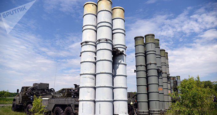 Los sistemas de defensa antiaérea rusos S-300 (imagen referencial)
