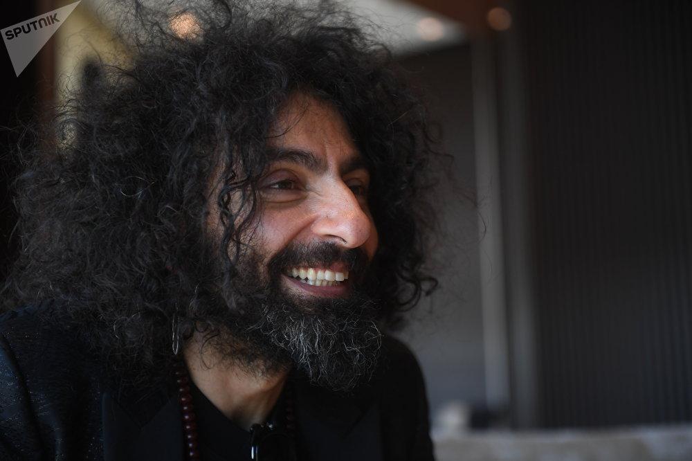 Ara Malikián, violinista libanés español, durante la entrevista con Sputnik